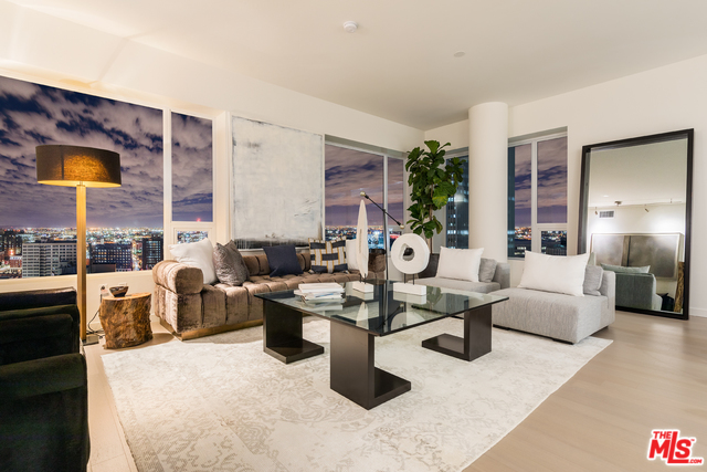 District Condos for Sale DTLA Loft for Sale - Ten50 Condos Unit No: PH5